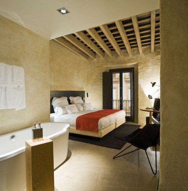 chambre adulte avec plafond à la française en solives apparentes