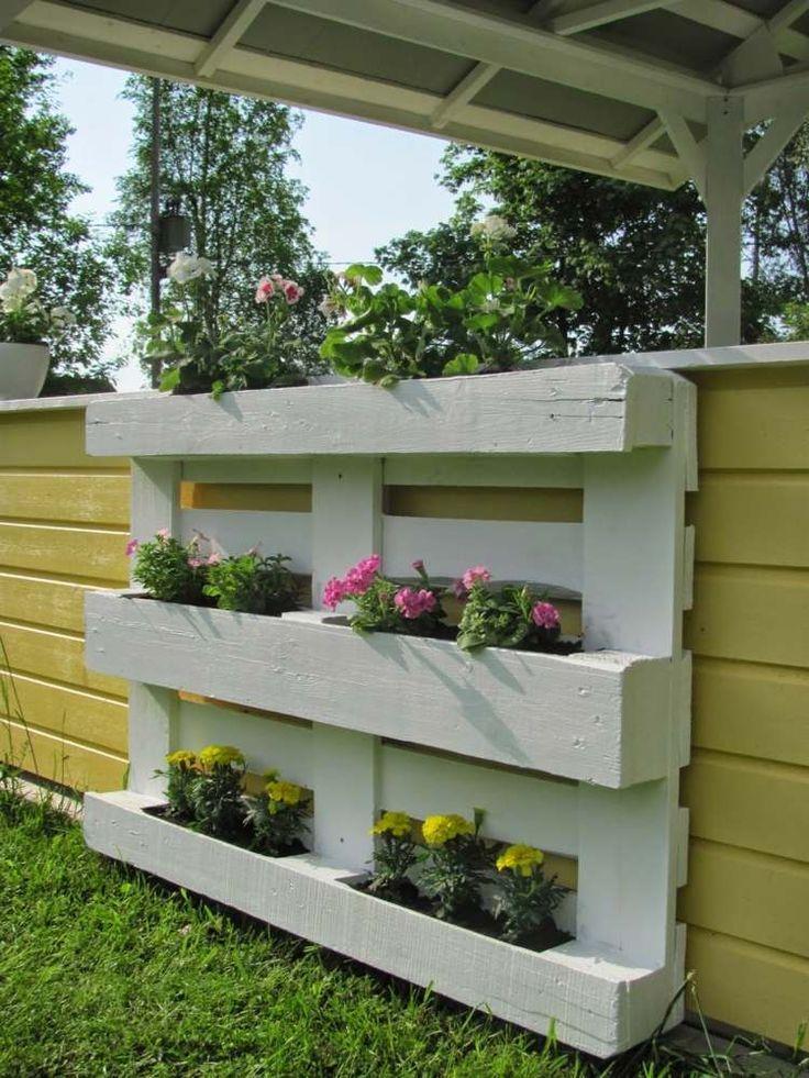 Gartendeko Blumenregal aus Holzpallette zum Selbermachen #kräutergartenpalette