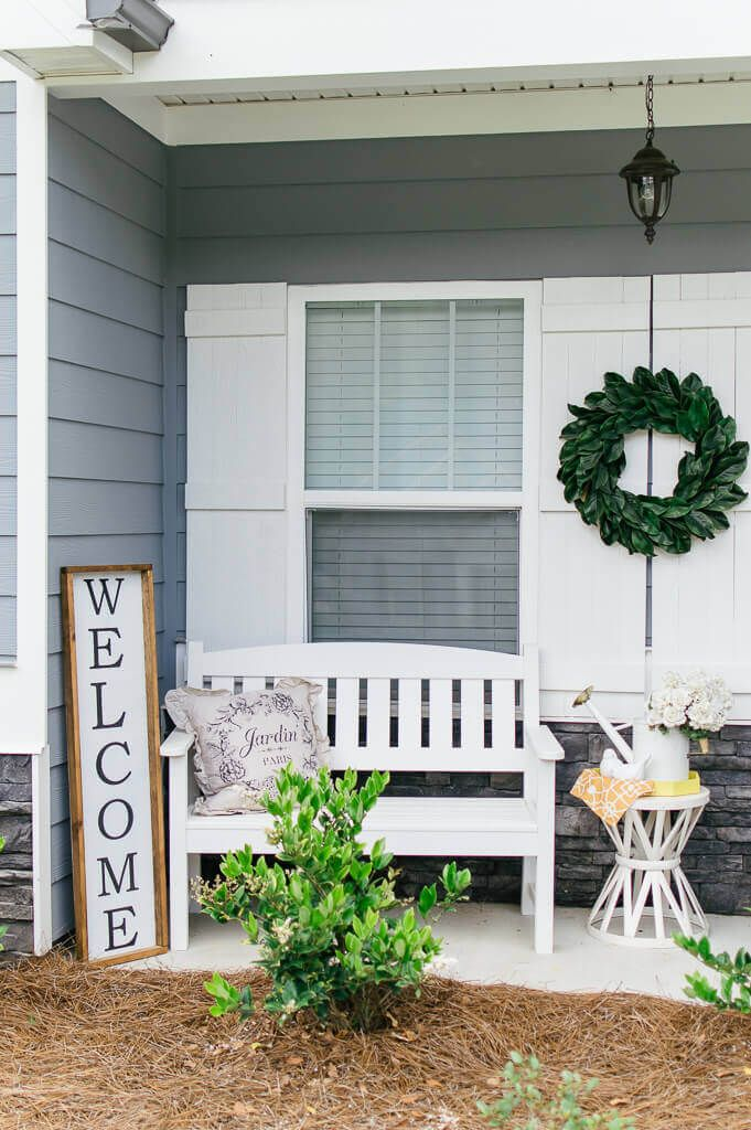 Farmhouse Front Porch Inspiration for Summer #smallporchdecorating