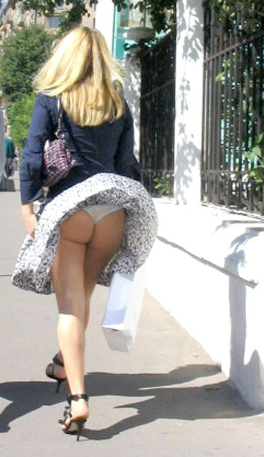 Naked booty white girl