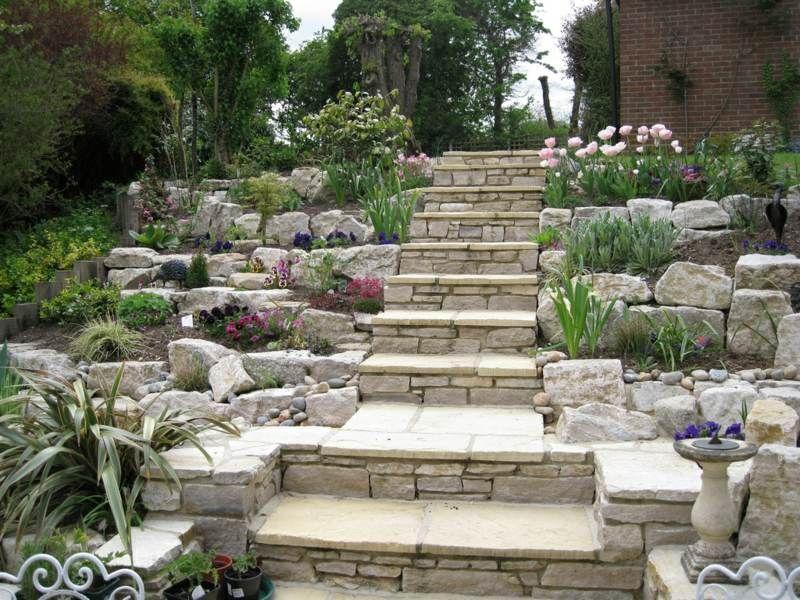 Steingarten gestalten treppe hang terrassen pflanzen for Terrasse im garten anlegen