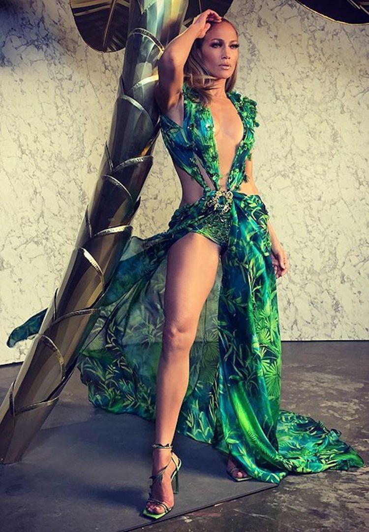 Pin On Jennifer Lopez Wallpaper [ 1080 x 750 Pixel ]