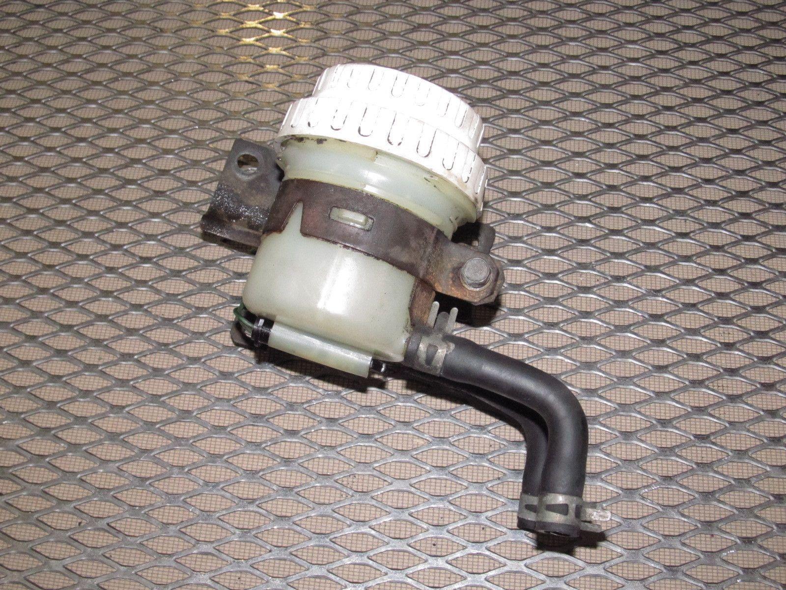 97 98 99 Mitsubishi Eclipse OEM Master Brake Cylinder Reservoir Tank