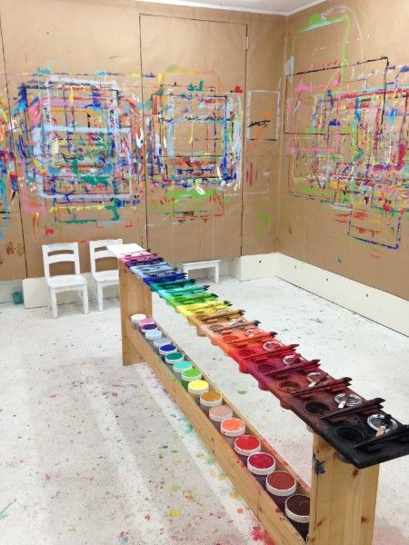 Meine mal werkstatt atelier himmelblau for Raumgestaltung reggio