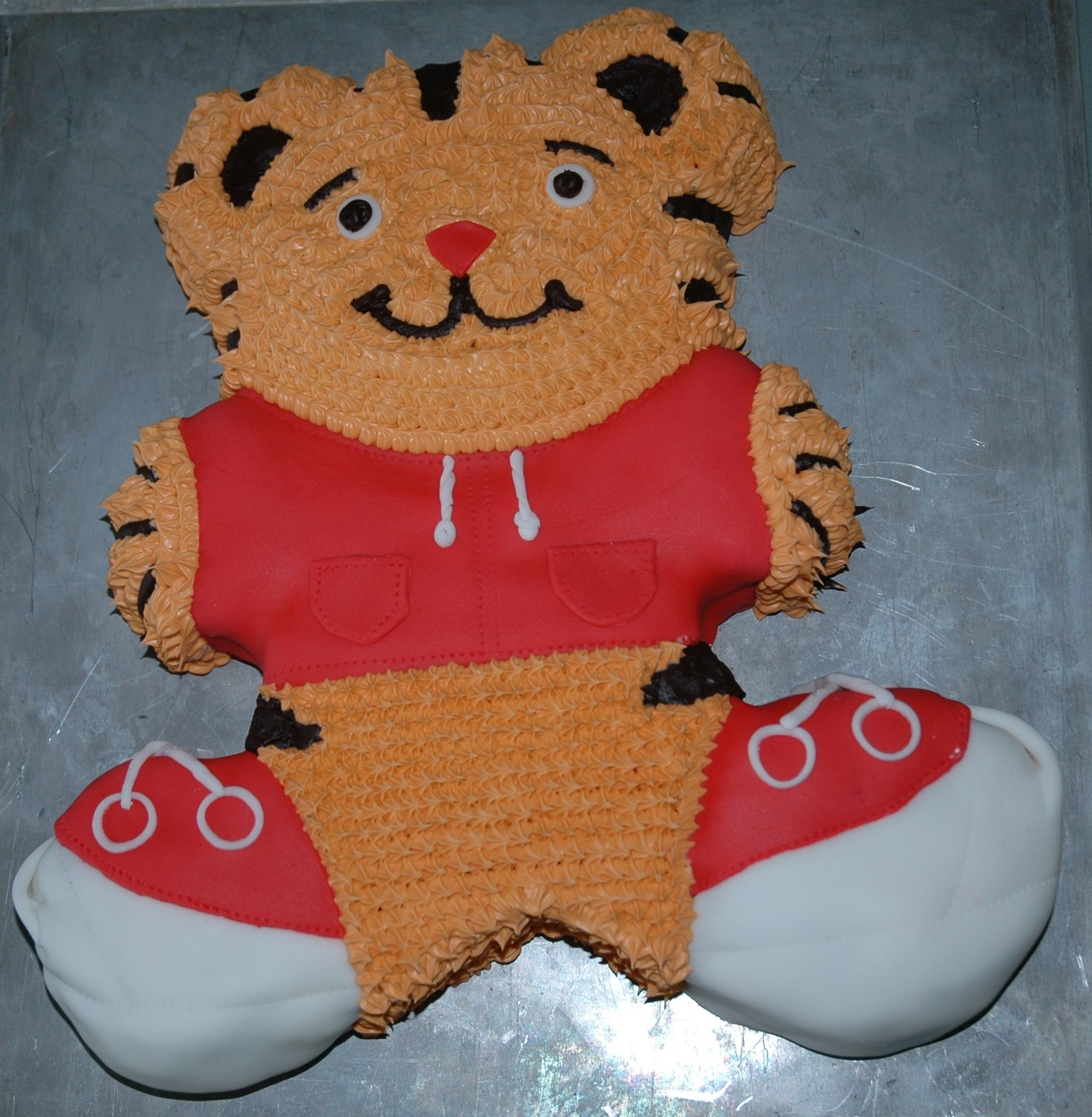 Daniel Tiger Cake I Used A Bear Pan And Trimmed Out The