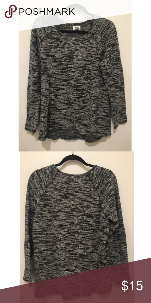 Old Navy Sweater ~not for sale~ Super cozy sweater that was barely worn! Old Navy Sweaters Crew & Scoop Necks