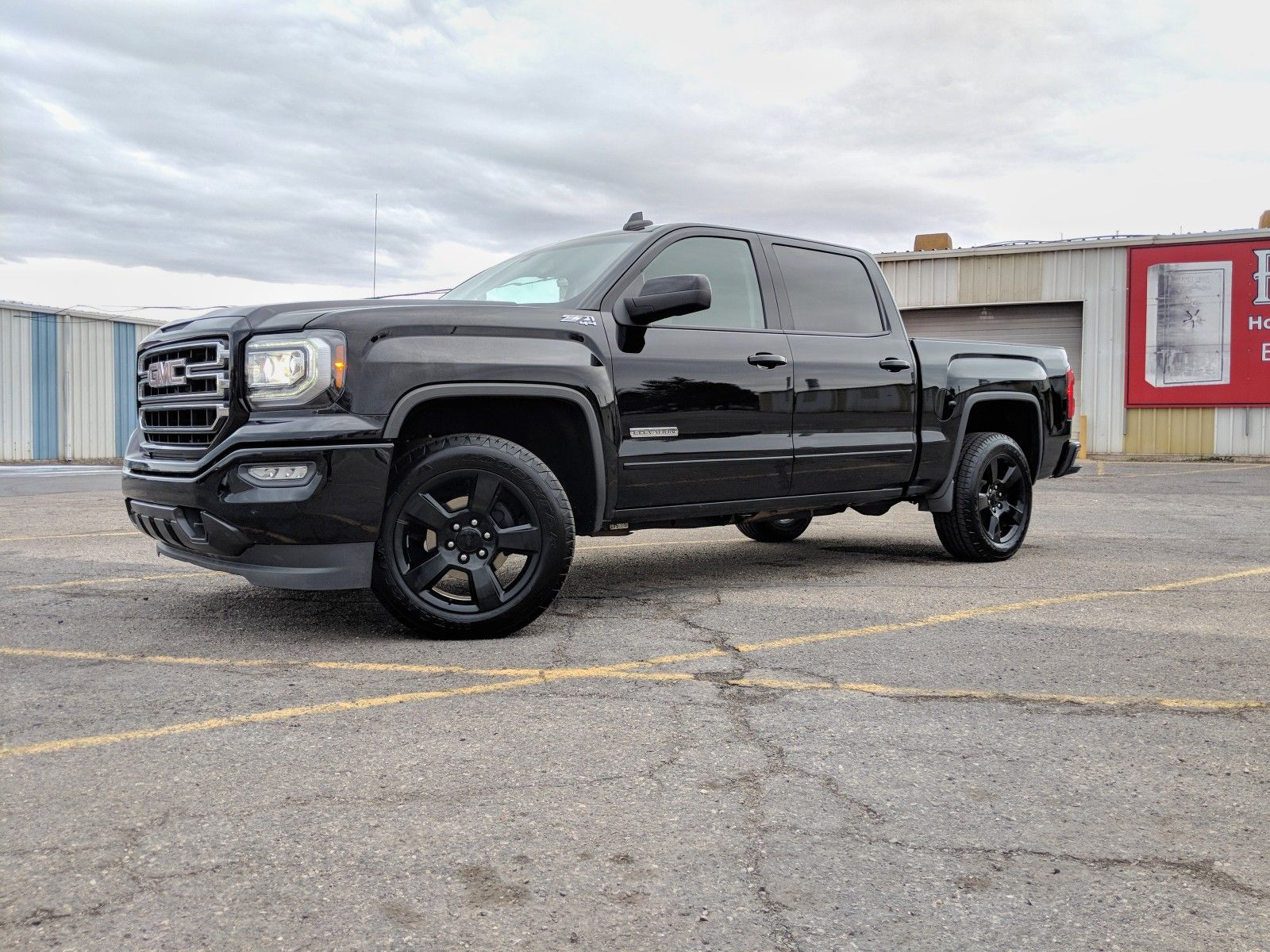 Gmc Sierra 1500 Elevation Edition Sle Utah 2017 Crew Cab 4x4 Onyx Blacked Out Gmc Gmc Sierra Chevy Trucks