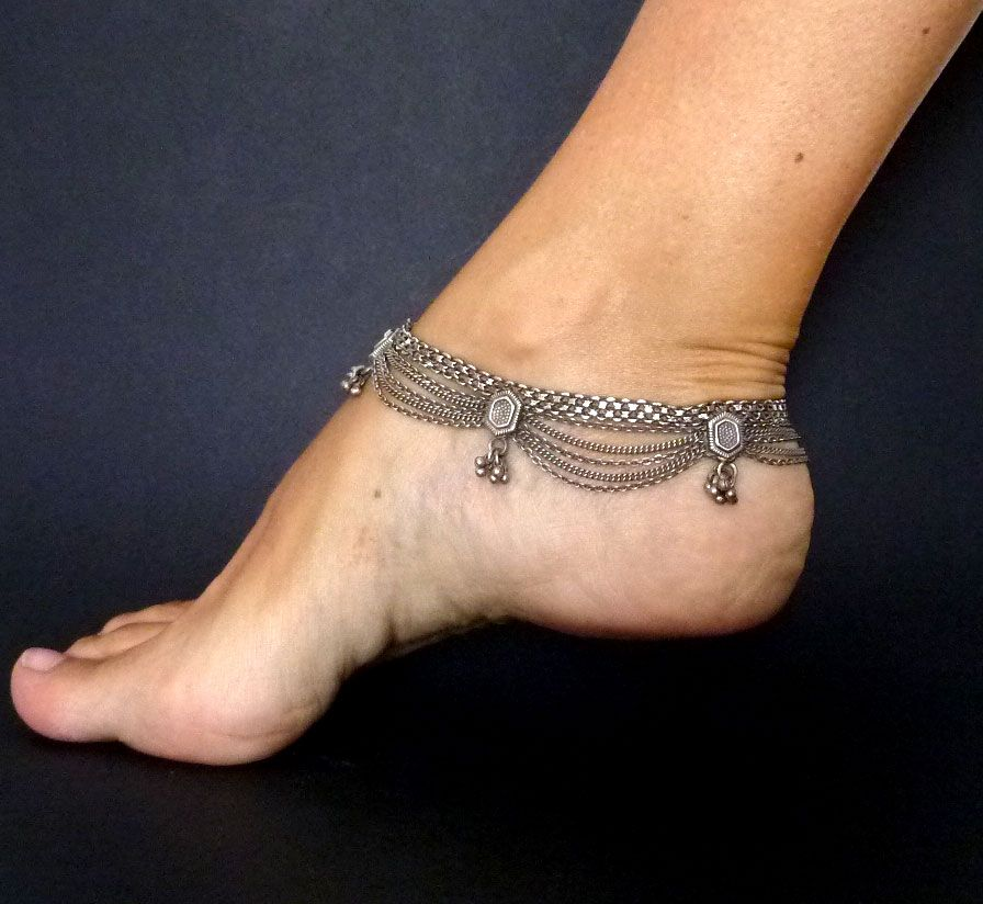62 Beautiful Ankle Bracelet Tattoos: Anklets-beautiful-pictures-download-23