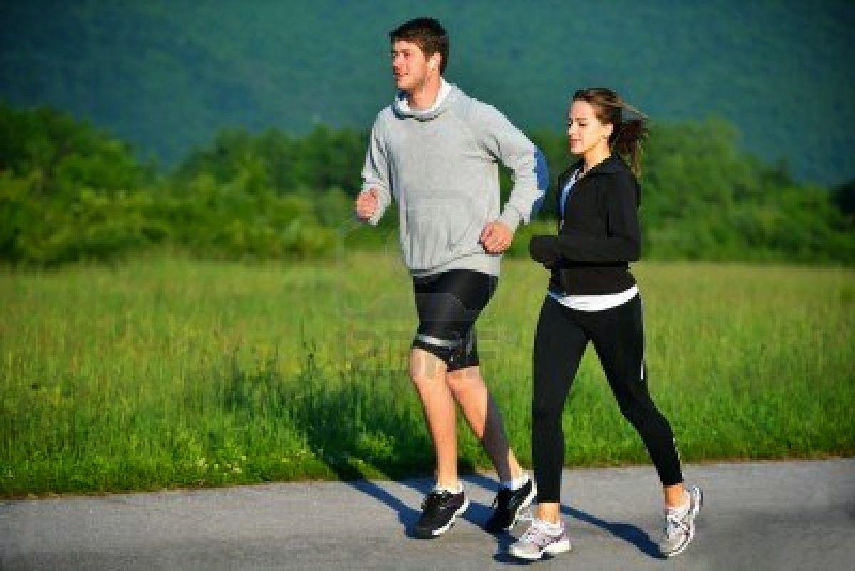 Lari Siang Hari Membakar Lemak, Benar atau Tidak? Ini Bahaya dan Tipsnya