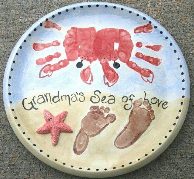 Ceramic handprint art easy diy video instructions best for Handprint ceramic plate ideas