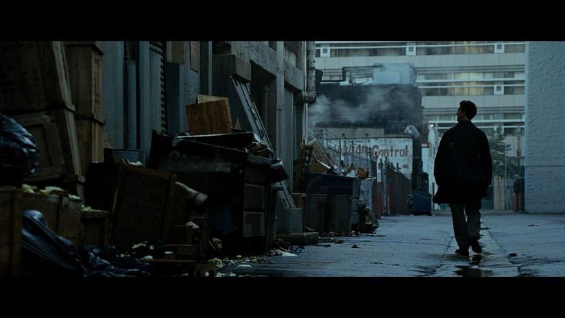 fight club cinematography Lighting in fight club 1 in 2 david fincher always used heavy, dark lighting in his work you can often tell if a film is a david fincher film if the lighting is dark, dramatic and casts long shadows.