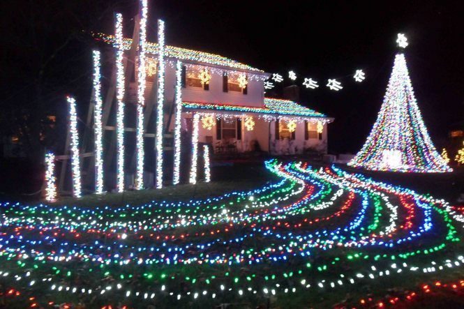 Top Christmas Light Displays In New Jersey Best Christmas Light Displays Best Christmas Lights Christmas Light Displays