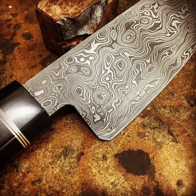 Damascus pattern detail. #foodie #kitchenknives #customknife #knifemaker #handmade #damascussteel #knifeporn