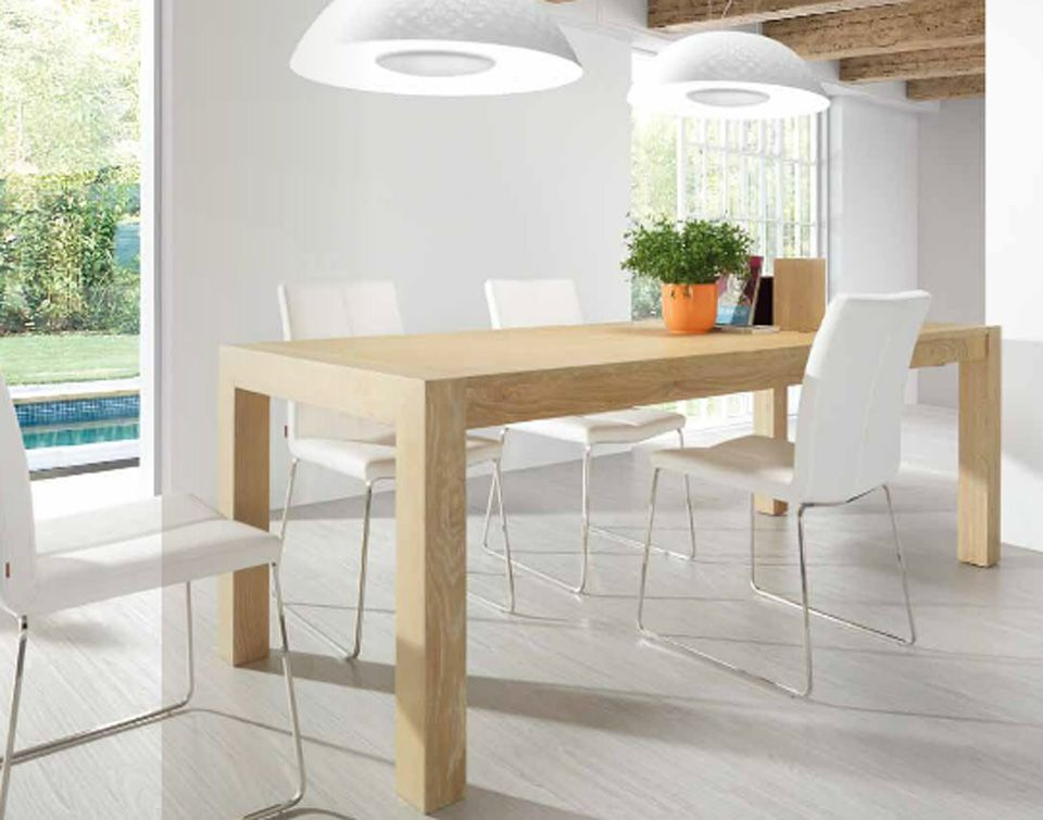 Mesa de madera color haya con sillas blancas comedor pinterest room and house - Sillas plegables blancas ...