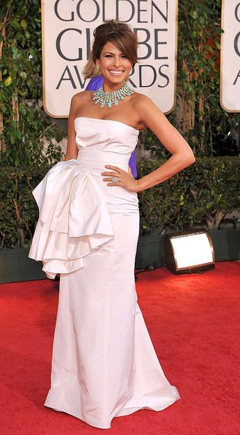 Eva Mendes White Dress And Turquoise Necklace Obsession Love This Look She Is Stunning