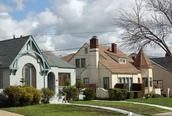 Picardy Drive A Storybook Street In Oakland Dream Cottage Storybook Homes Cottage Homes