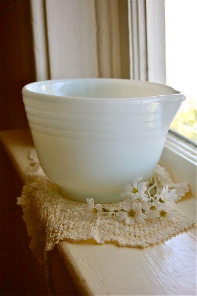 Vintage Milk Glass Bowl.