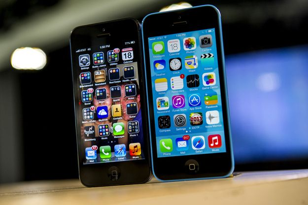 "Apple released iOS 7. | 9 Reasons Apple Is ""Doomed"""