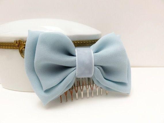Fermaglio con fiocco azzurro pastello // accessori per capelli cerimonia,  primavera