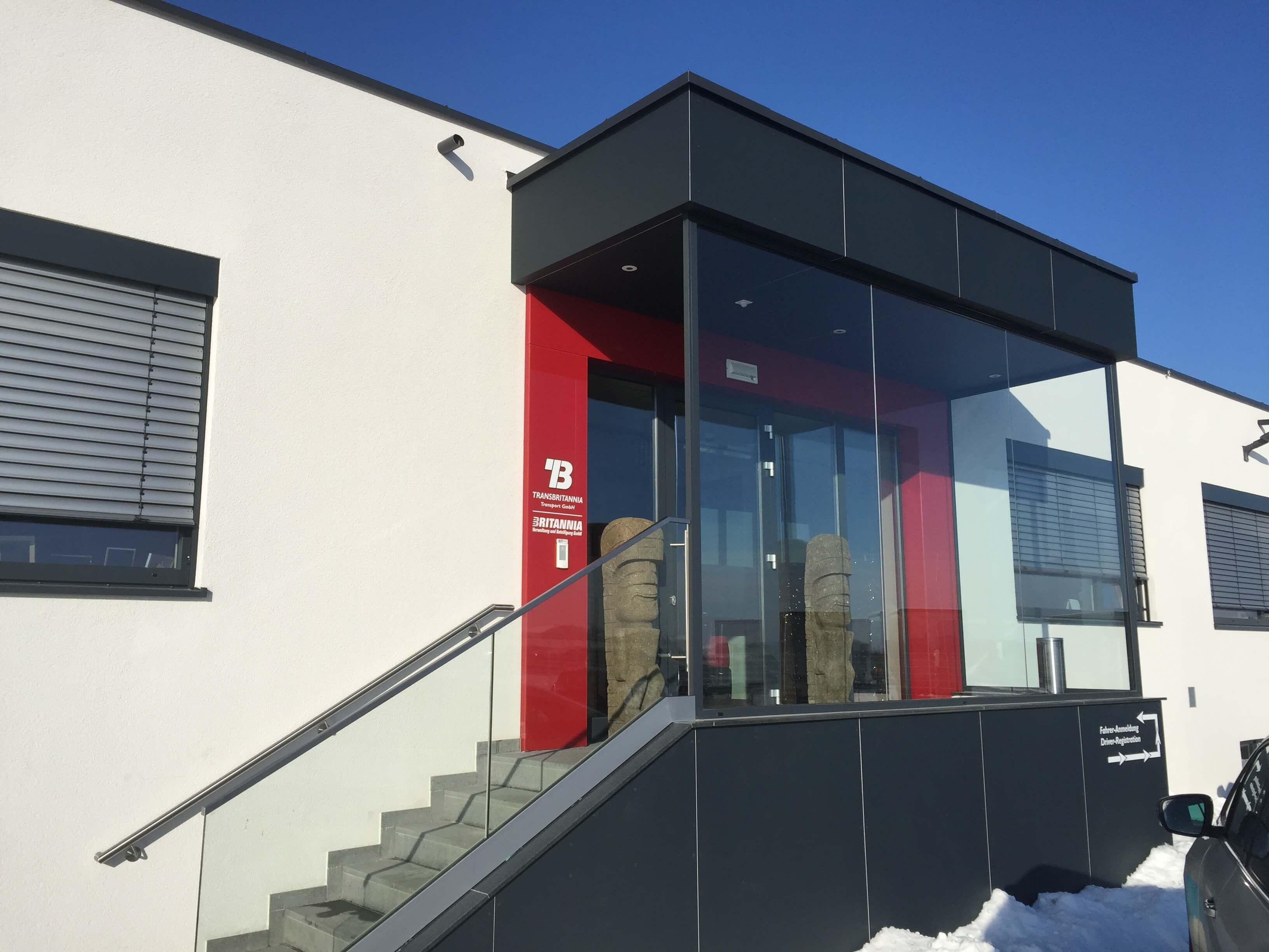 Schön Windfang Hauseingang Geschlossen Ideen Von Für Eingangsbereich