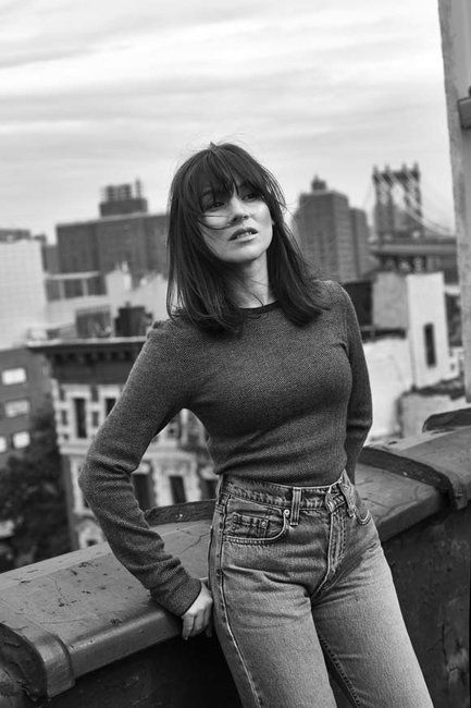 OITNB's Yael Stone Wants More Leading Women In Film [Interview] | Fashion Magazine | News. Fashion. Beauty. Music. | oystermag.com