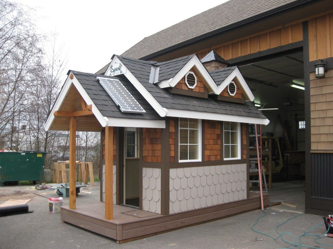 This 6 Ft Wide X 8 Ft Long X 10 Ft Tall Playhouse Was Raffled Off For The Sicba Home Garden Show Spane Building Play Houses Building For Kids Tree House