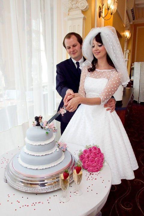 Polka Dot Wedding Gown Retro 1950s style bridal gown. $385.00, via ...