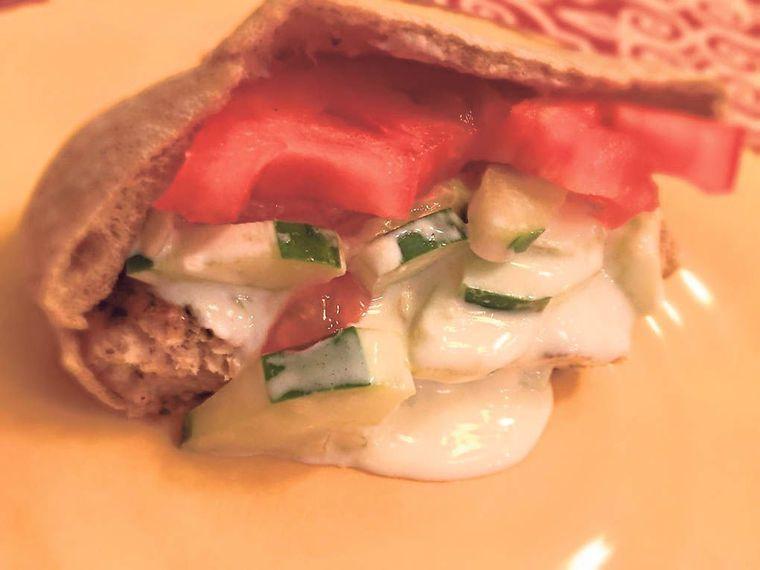 BBQ MY WAY: Grilled gyro burger with tzatziki sauce