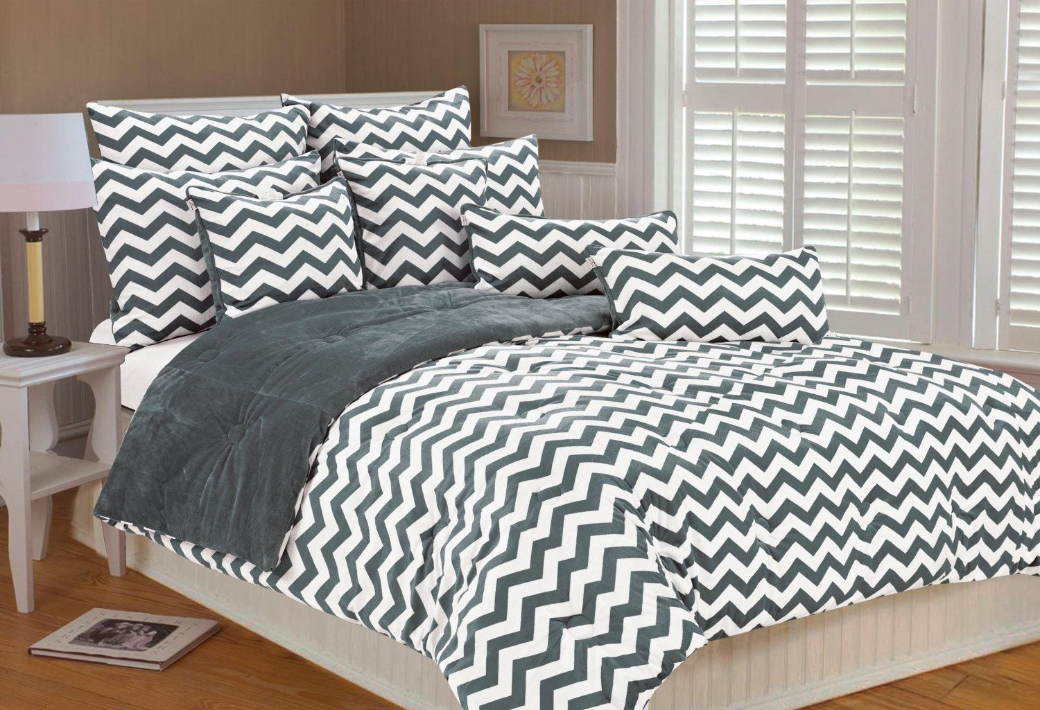gray and white chevron bedding sets gray and white chevron bedding is a very popular look right. Black Bedroom Furniture Sets. Home Design Ideas