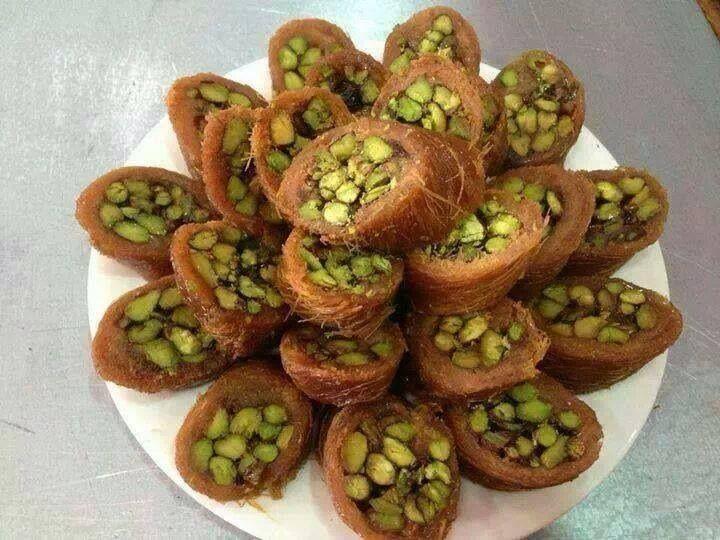 كنافة مبرومة بالفستق الحلبي Pistachio Recipes Food Syrian Food