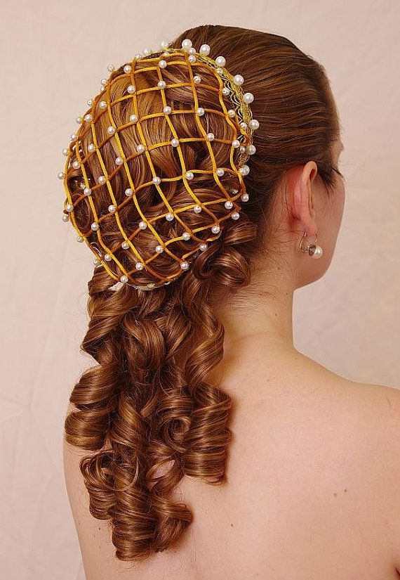 6 Different Ways To Wear A Hair Net With Style Renaissance Hairstyles Medieval Hairstyles Hair Pieces