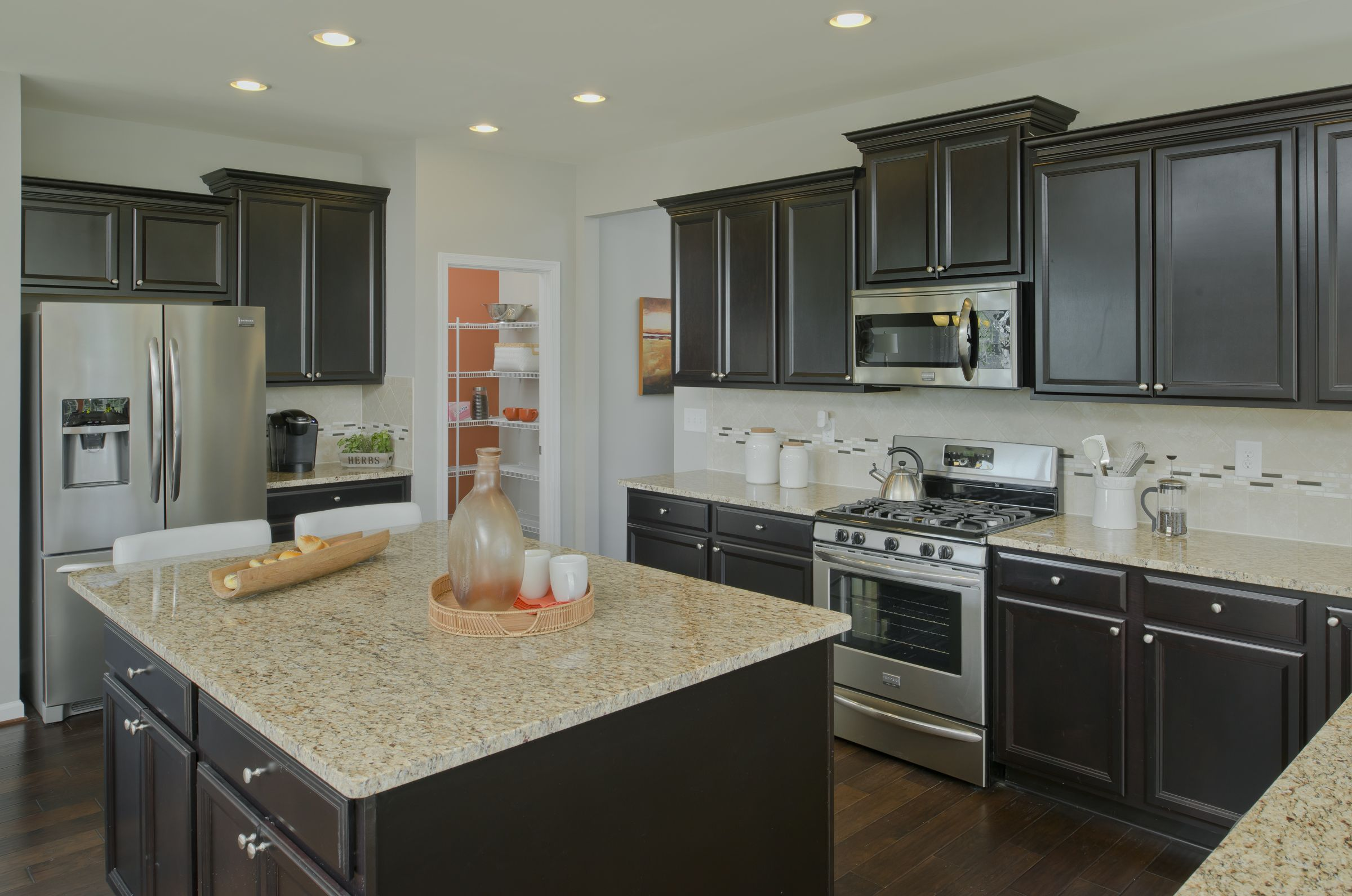 New Homes And Townhomes By Lennar In Md De And D C Metro Huge Kitchen New Homes Model Homes