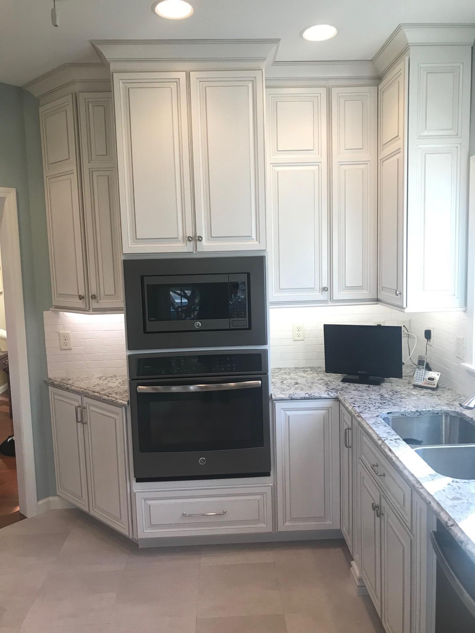 Kitchen Cabinets Bloomington Il 2020 In 2020 Kitchen Cabinets Cabinet Kitchen