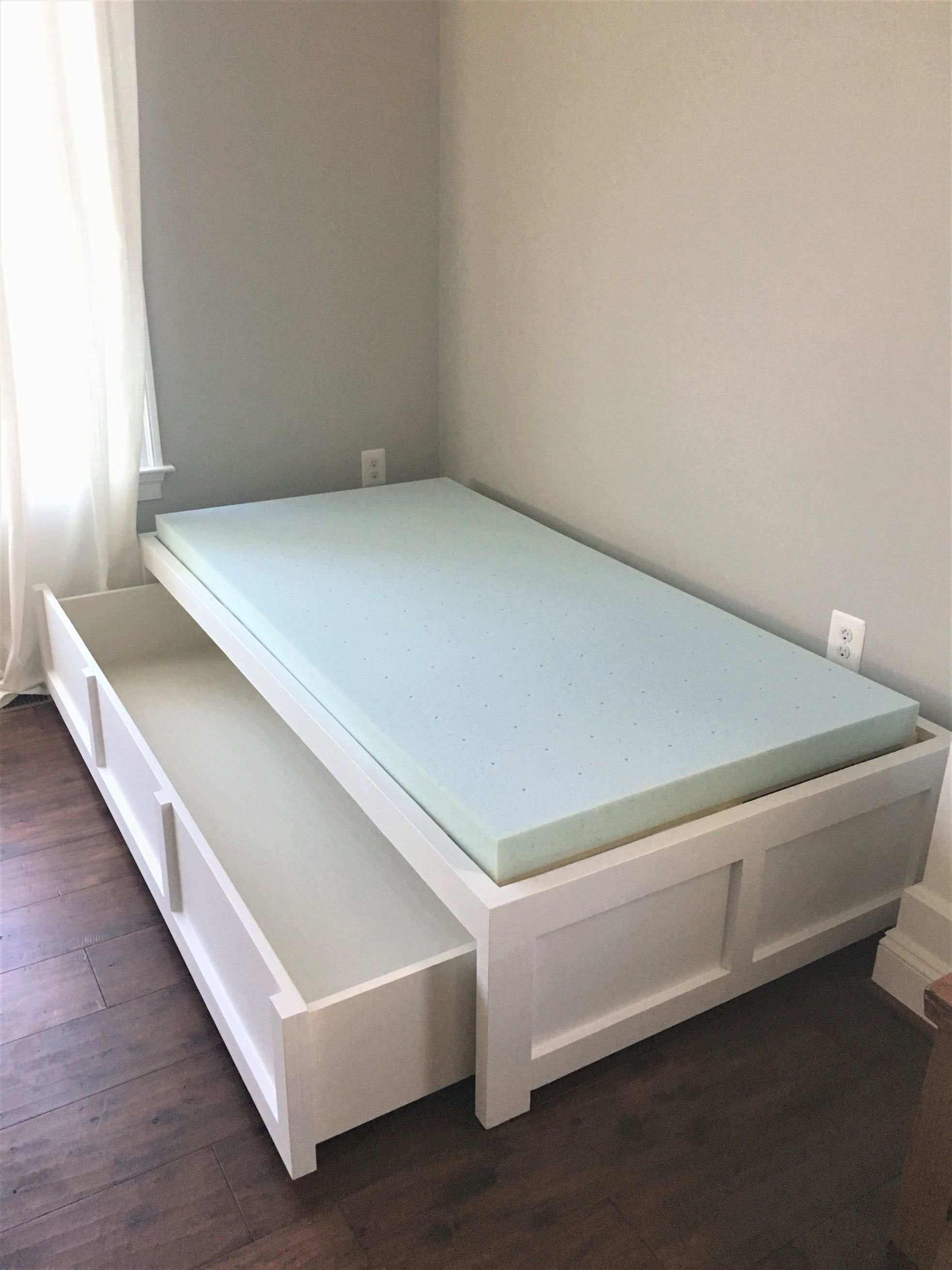 - Ana White Daybed With Storage - DIY Projects #KidsFurniture