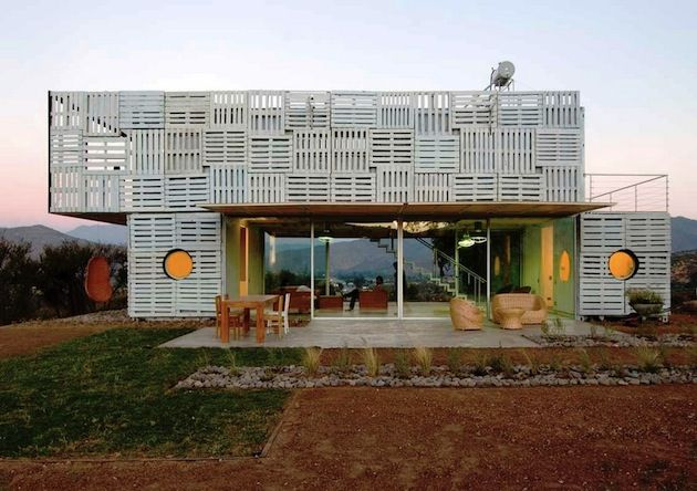 PREFABRICATED MANIFESTO HOUSE MADE OF PALLETS BY JAMES AND MAU