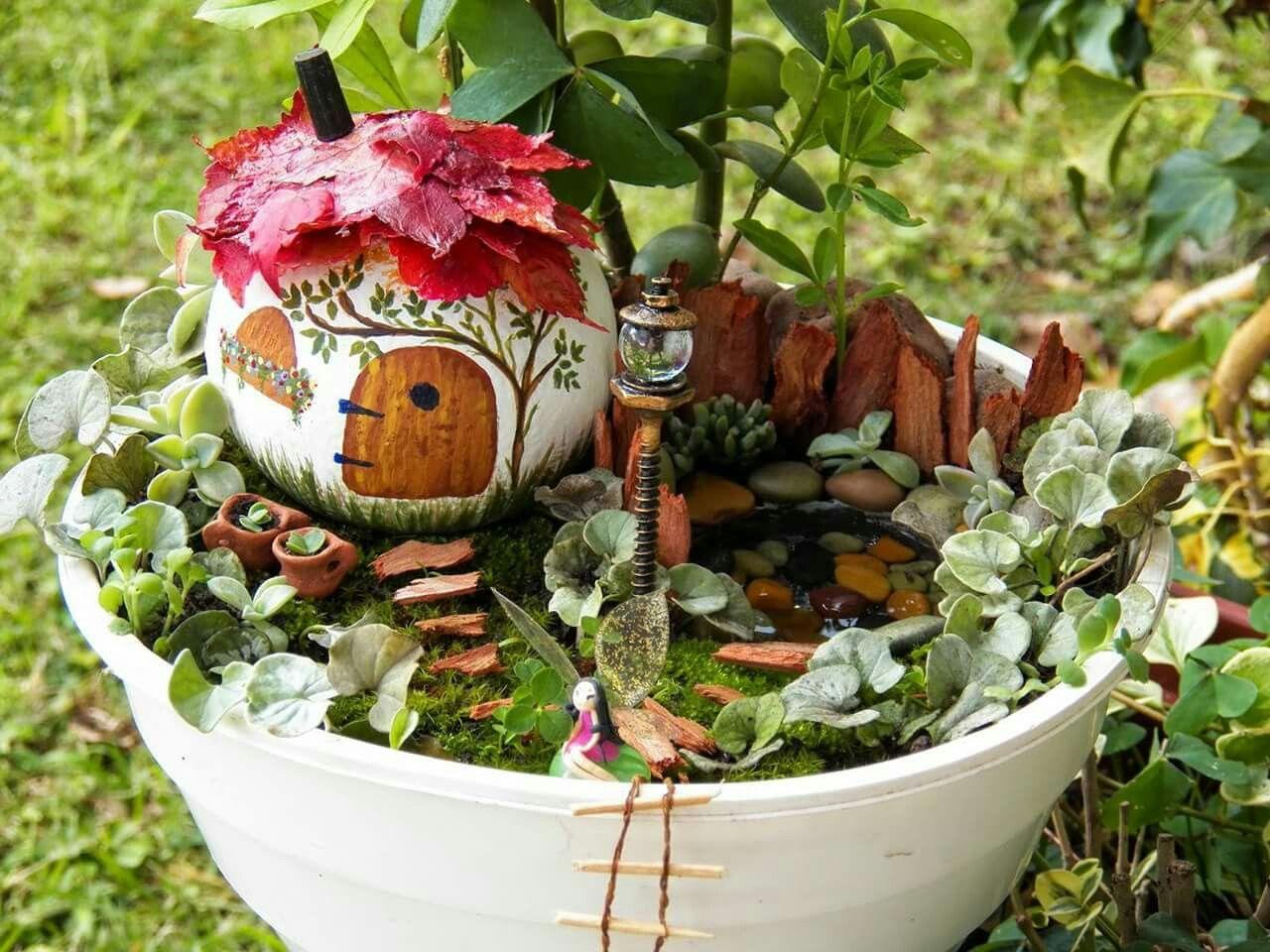 Jardines miniaturas flores naturales pinterest for Adornos para jardin caseros