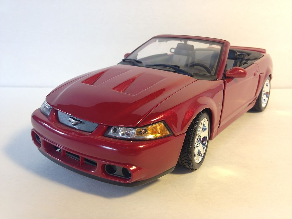 maisto 2003 ford mustang svt cobra 1 18 diecast car. Black Bedroom Furniture Sets. Home Design Ideas