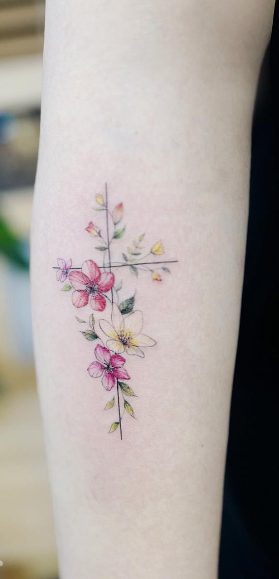 32 Gorgeous Tattoo Ideas For Women Small Rose Tattoo Tattoos