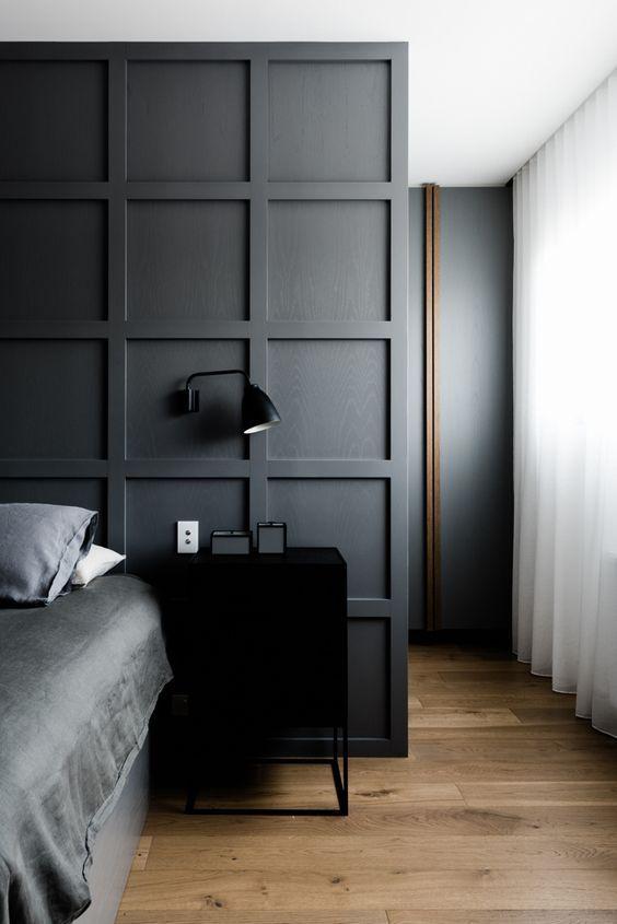 Moody Dark Grey Bedroom With Square Wall Panels Modern Minimal Bedroom Decor Industrial Style Bedside Remodelacao Quarto Designs De Quarto Quarto Interior