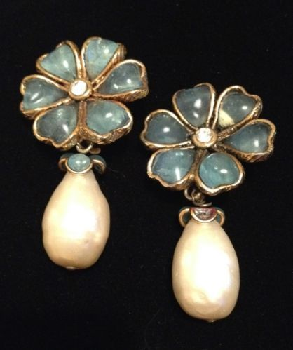 RARE Authentic Vintage Chanel Gripoix Poured Glass Camellia Pearl Earrings | eBay