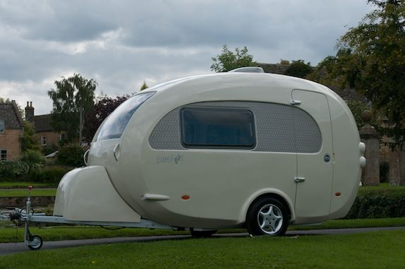 The Barefoot Caravan Is Stylish Luxury In A Neat Little Package Caravan Mini Caravan Retro Camping