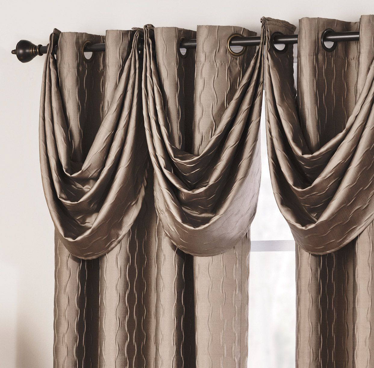 Shannon Lined Grommet Panels Hang Beautifully With A Wavy