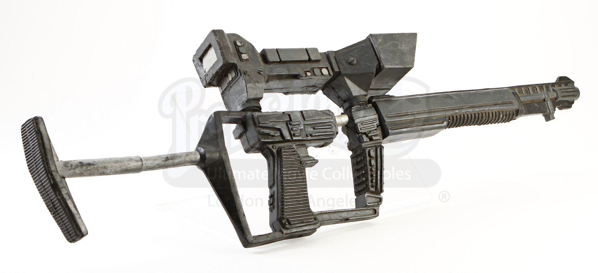 V Tv Series Stunt Visitor S Rifle