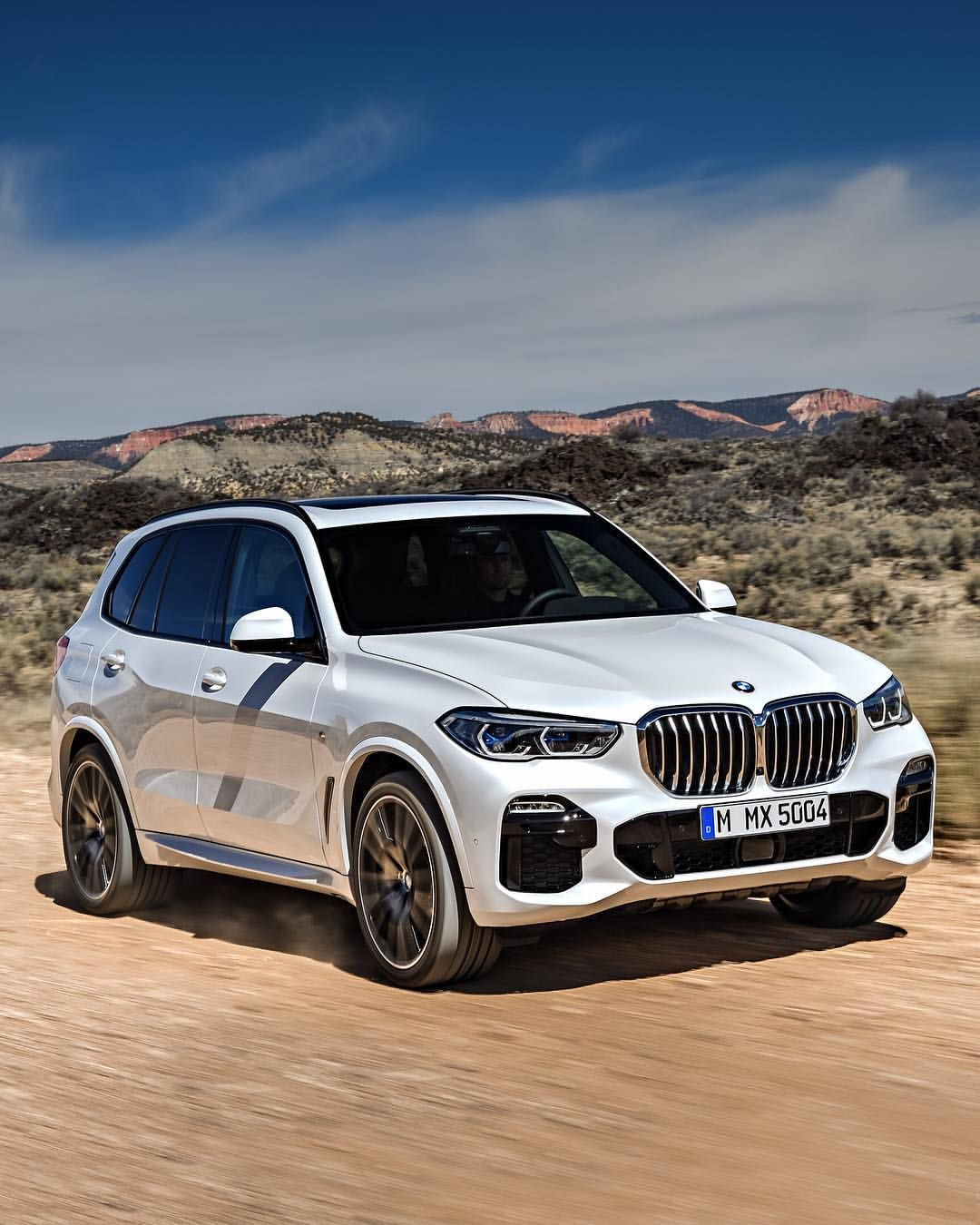 The All-new 4th Generation 2019 BMW X5 @motortrend On