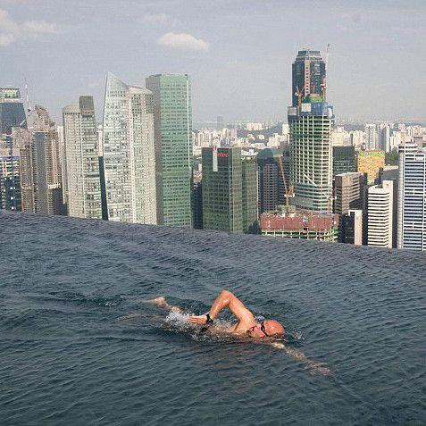 Bazen na krovu, Singapur