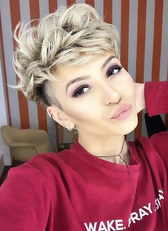Undercut Short Curly Hairstyles For 2019 Cool Short Hairstyles Short Curly Hairstyles For Women Hair Styles