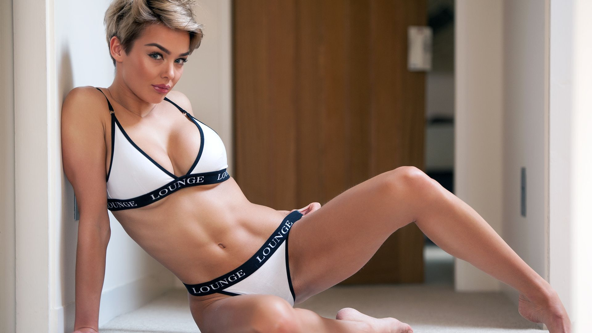 sexy-short-haired-models-hardcore-thumbs-pics