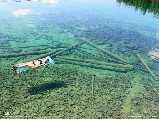 Because of the crystal clear water,Flathead lake in Montana seems quite shallow when in reality it is 370 ft deep. #interesting#beautiful