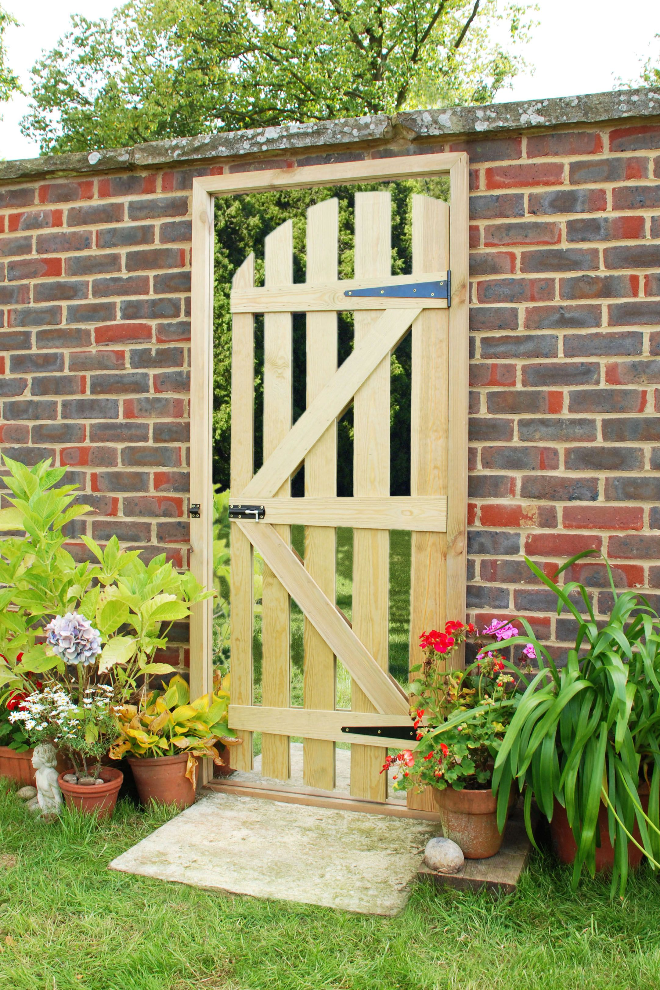 6ft 2in x 2ft 8in Illusion Garden Mirror Gate | DIY garden art ...