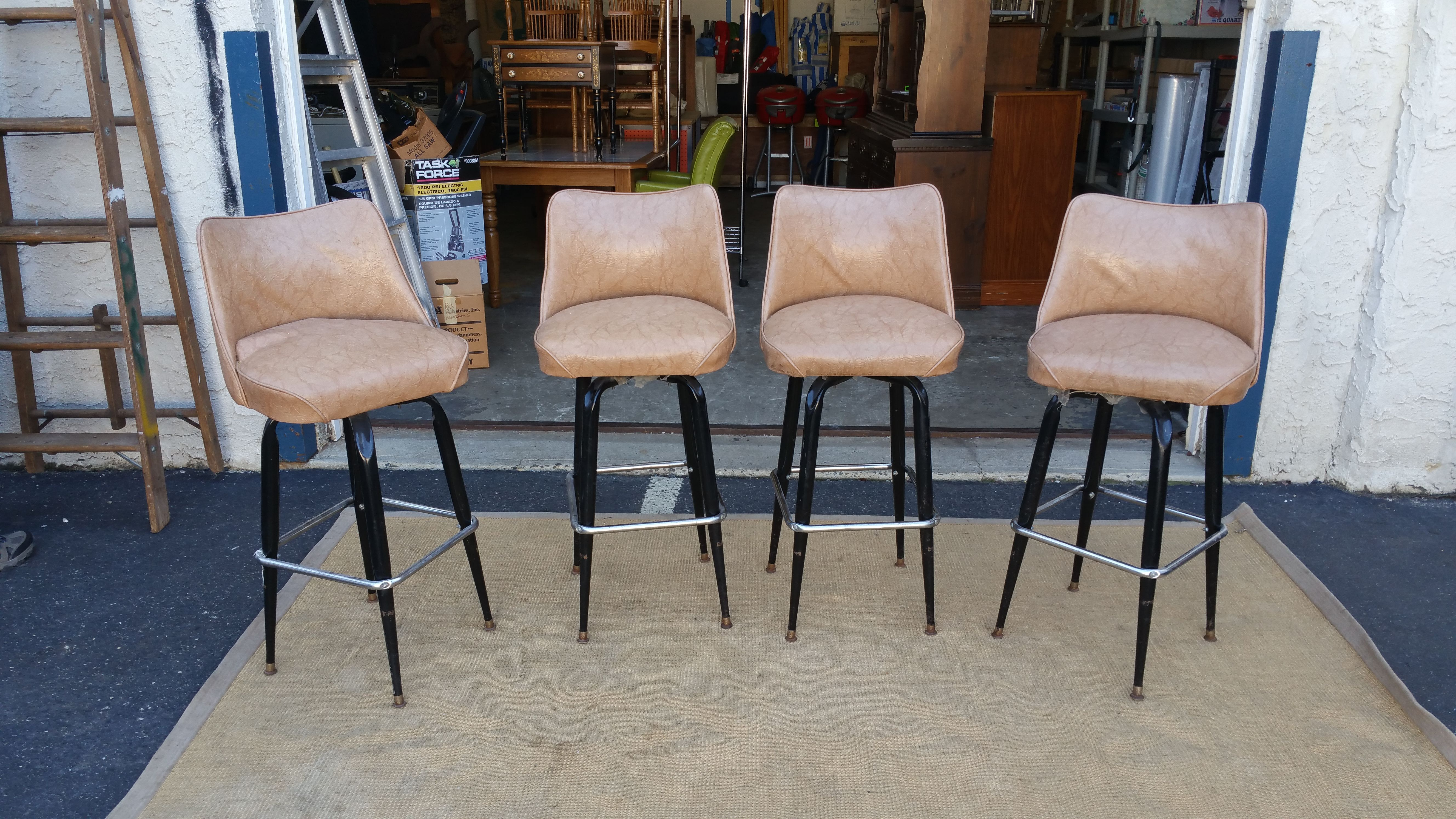 Bar Stools Set Of 4 Steel Frame Beige Used With Images